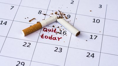 A man talks to a counselor at CoxHealth about quitting smoking.